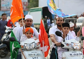 Jashn-E-Eid Milad-Un-Nabi Celebrated By People At Mira Road  in the way of Juloos