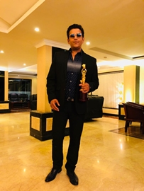Mega Star Ravi Kishen Bags Best Actor Award At International Film Festival