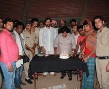 Sonu Pandey Surprised Birthday Bash Celebrated On The Sets