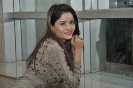 Gehana Vasisth Surprises Her Fans With 2 Beautiful Songs On Valentines Day