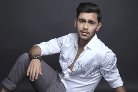 Karan Wadhwani To Make Debut In  Bollywood Shortly