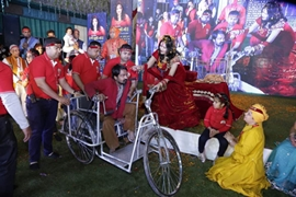 Shri Radhe Maa Celebrated Her Birthday With More Than 10,000  Handicapped People At Delhi