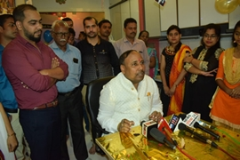 Business Tycoon  Varisht Samaj Sevak  Jaunpur Lok Sabha Candidate Mr. Ashok Singh's Birthday Celebrated In Mumbai