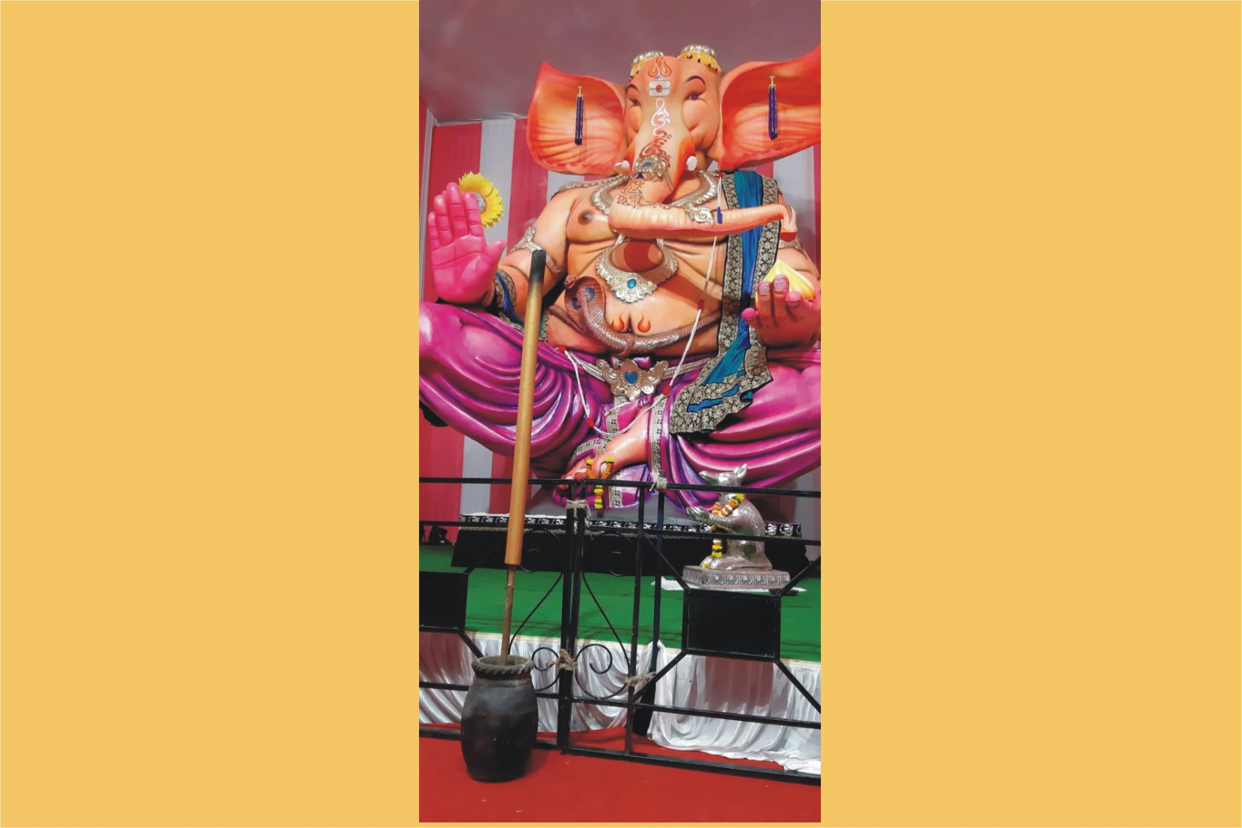 Zed Black Celebrates Ganeshotsav In Mumbai By Donating  6 Ft Mega Agarbattis For Taller Ganesha Idols