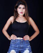 Glamorous Hanshika Bhaware shines in Bollywood