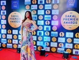 Mrinmai Kolwalkar celebrity guest at Sakal Premier Awards at Pune Ferns& Amnora
