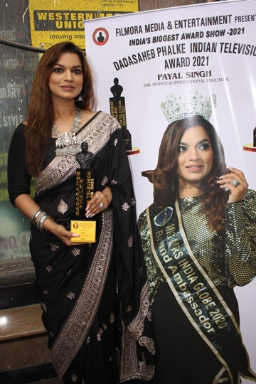 Actress Reddhima Tiwari, Shweta Sinha,Anjali Pandey, Payal Singh, Were Honored With Dadasaheb Phalke Indian Television Award