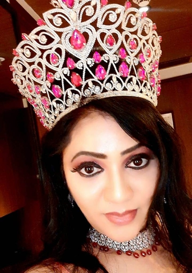HISTORY has been created. First ever woman from the state of Karnataka to win the Icon Glamour Mrs. India Global