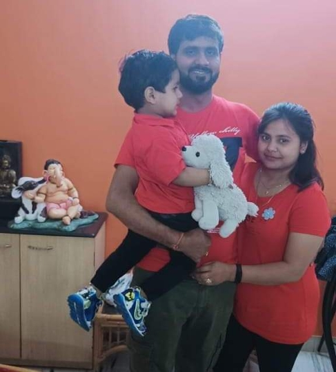 Actor Vinod Yadav helps needy people on their Wedding Anniversary