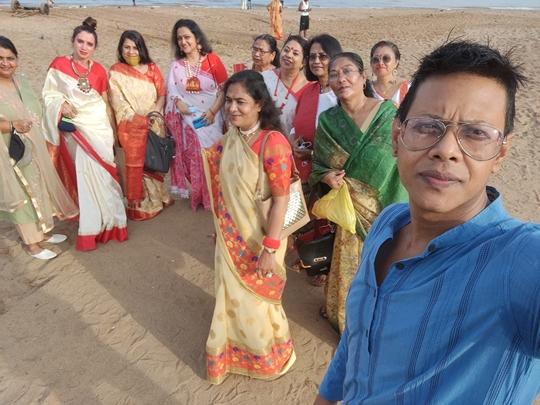 Kajal Rochwani  Chairperson of Royal Femme Club  Celebrates MAHALAYA Along With Her Members At Juhu Mumbai